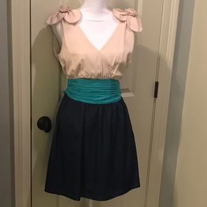 Dresses & Skirts - Sleeveless Color-block Party Dress